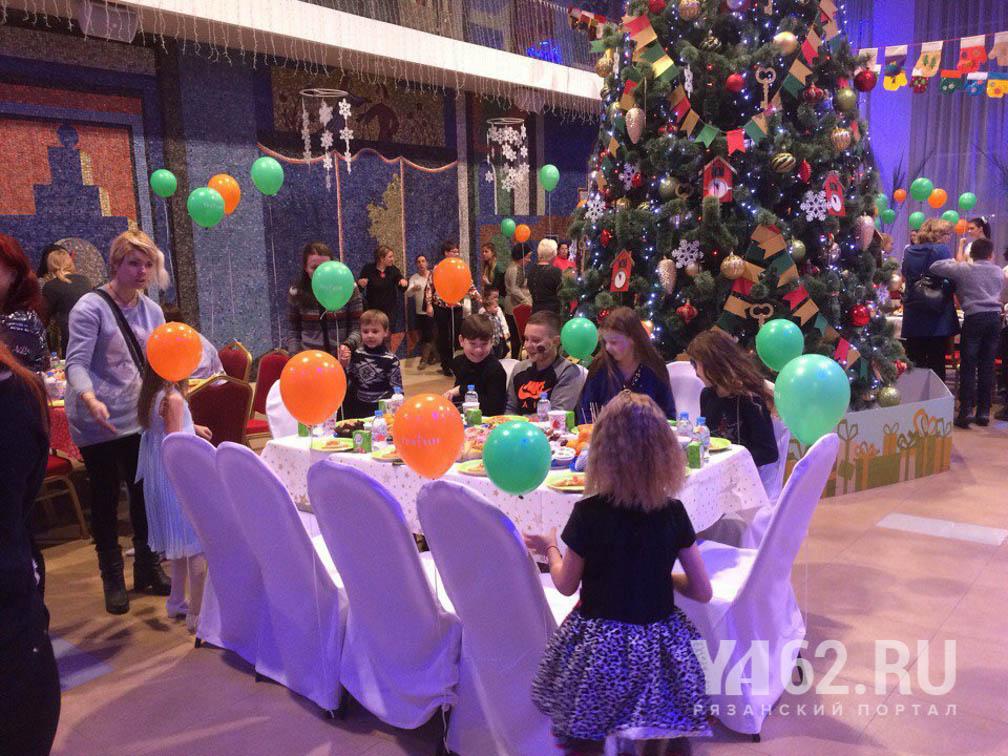 В Рязани состоялась первая «Ёлка с ложкой» для детей, оказавшихся в трудной жизненной ситуации