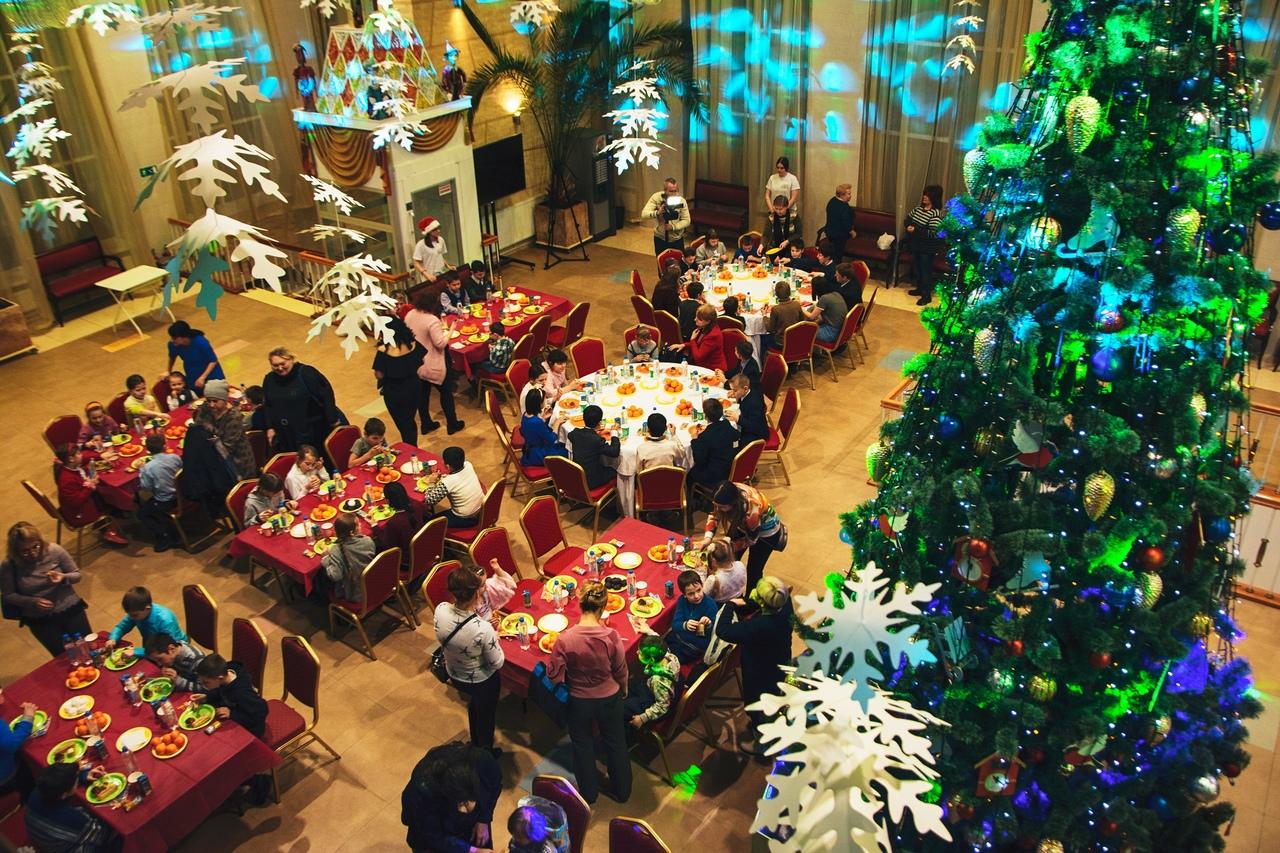 «Елка с ложкой»: рестораторы Рязани провели благотворительную акцию для воспитанников домов-интернатов